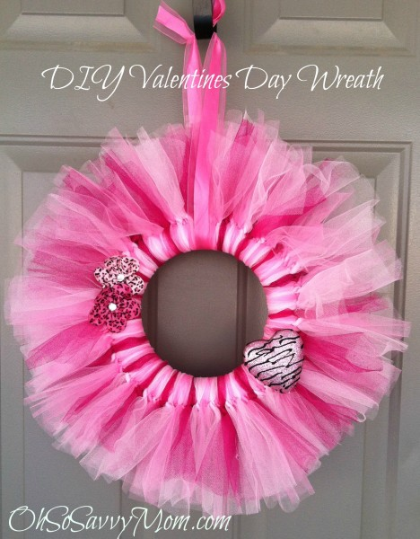 valentine wreaths for your front doorValentines Day Door Wreath DIY  Oh So Savvy Mom