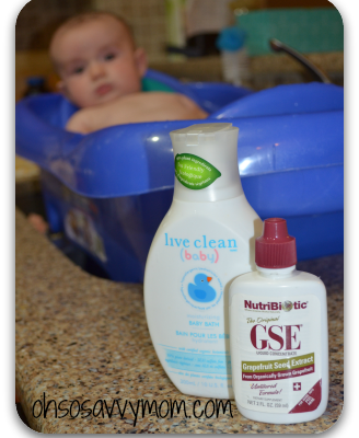 Get rid of your baby's cradle cap with this all natural, non-toxic cradle cap remedy
