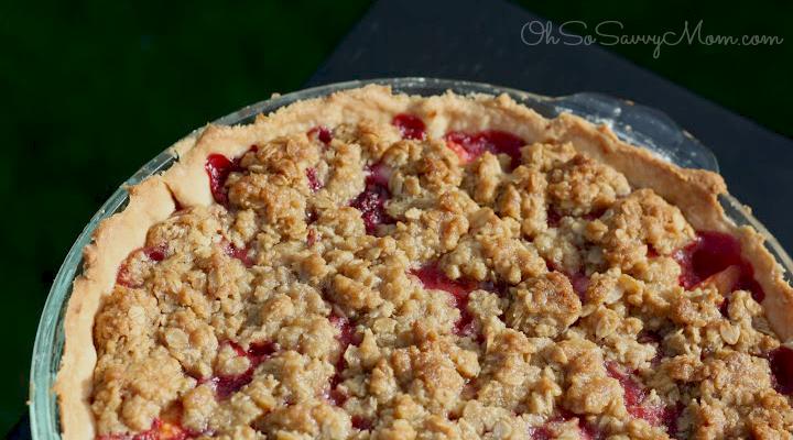 Delicious Raspberry Peach Pie with Cream Cheese Recipe