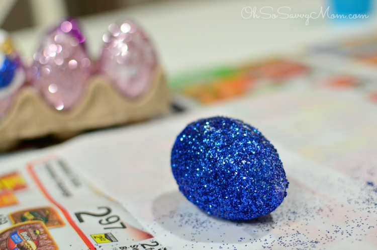 Glitter Egg using spray adhesive