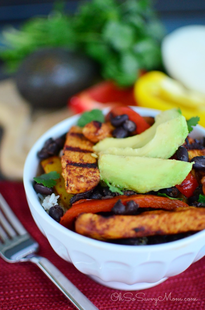 Grilled chicken fajita bowls with cilantro lime rice oh so savvy mom forumfinder Gallery