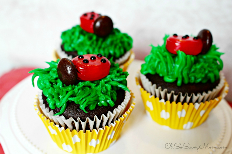 How to make Ladybug cupcakes for a ladybug birthday party