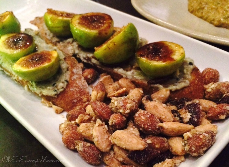 Toast with candied figs and almonds