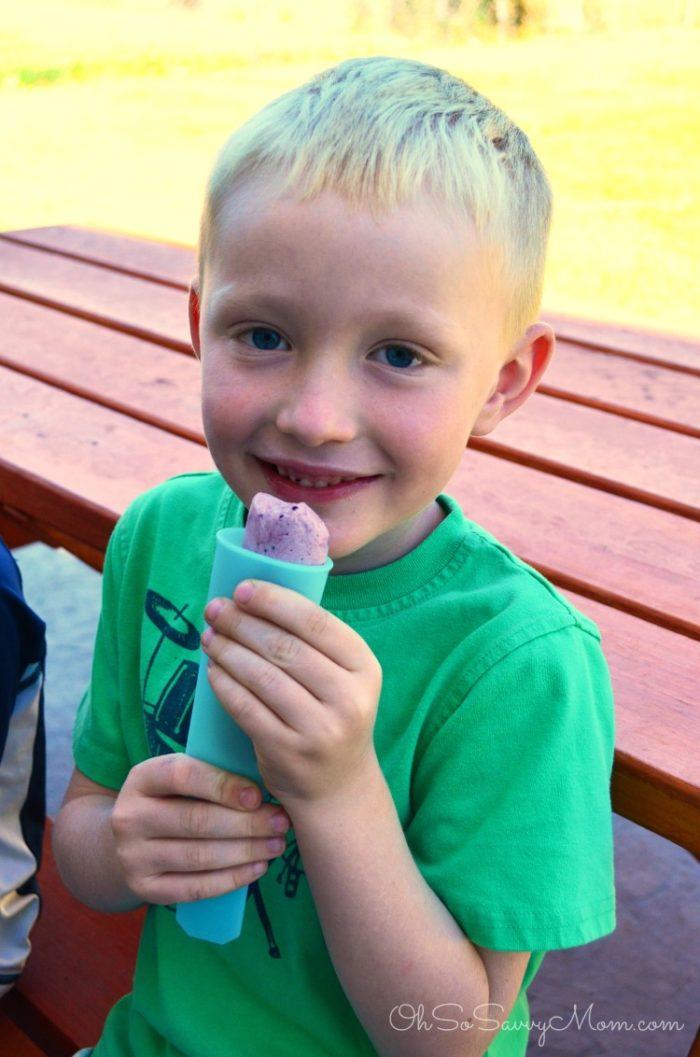 Kids eating kefir popsicles