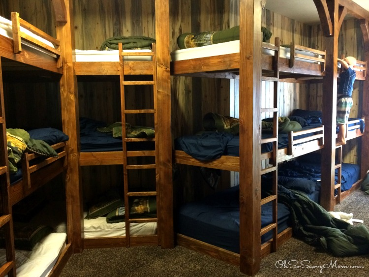 Beaver Mountain Lodge Triple Bunkbeds
